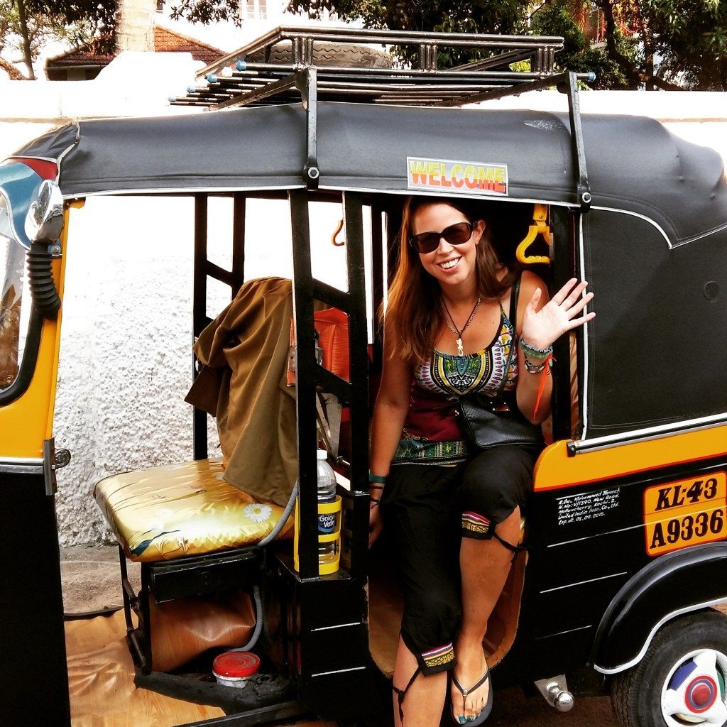 Welcome to Global Gallivanting from a rickshaw in India!