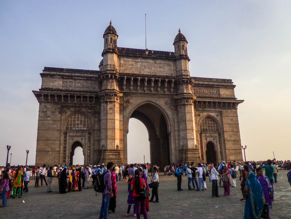 essay on gateway of india Sea journey to visit elephanta caves from gateway of india by boat.