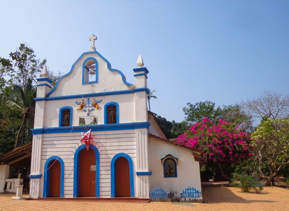 Cute Portuguese churches in Goa