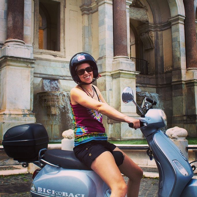 Whizzing around Rome on a Vespa tour!