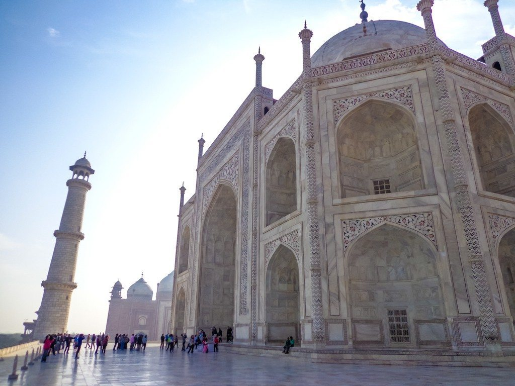 taj mahal from the side-3