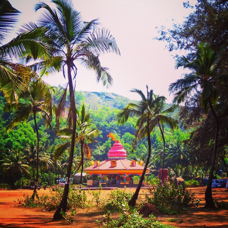 Insider's Guide to Goa: Find offbeat places like this cute pink hindu temple near Keri Beach