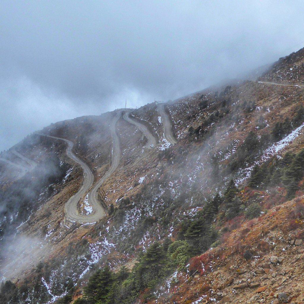 mountain roads in tawang arunachal pradesh