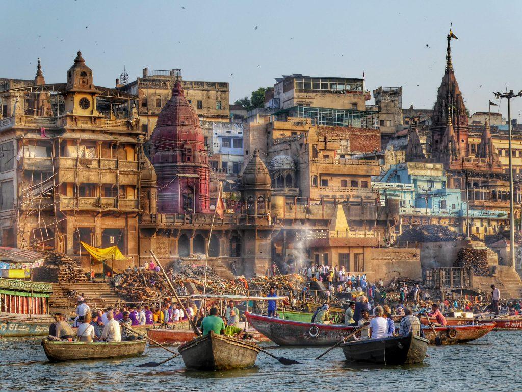 cremation ghats varanasi