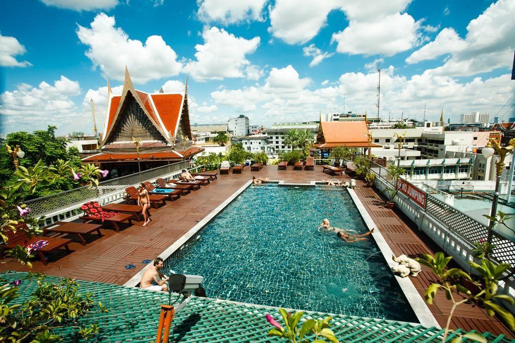 the best backpacker hostels in bangkok thailand global gallivanting travel blog